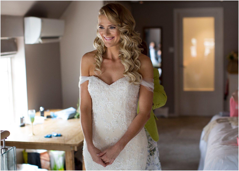 black barn kent wedding photographer